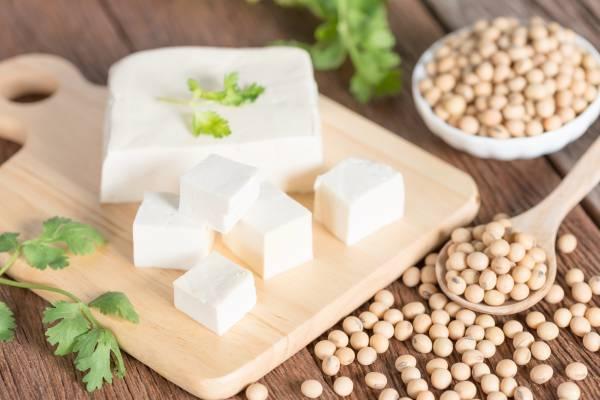 http://info.monastere.ca/wp-content/uploads/2018/07/tofu-soya.jpg