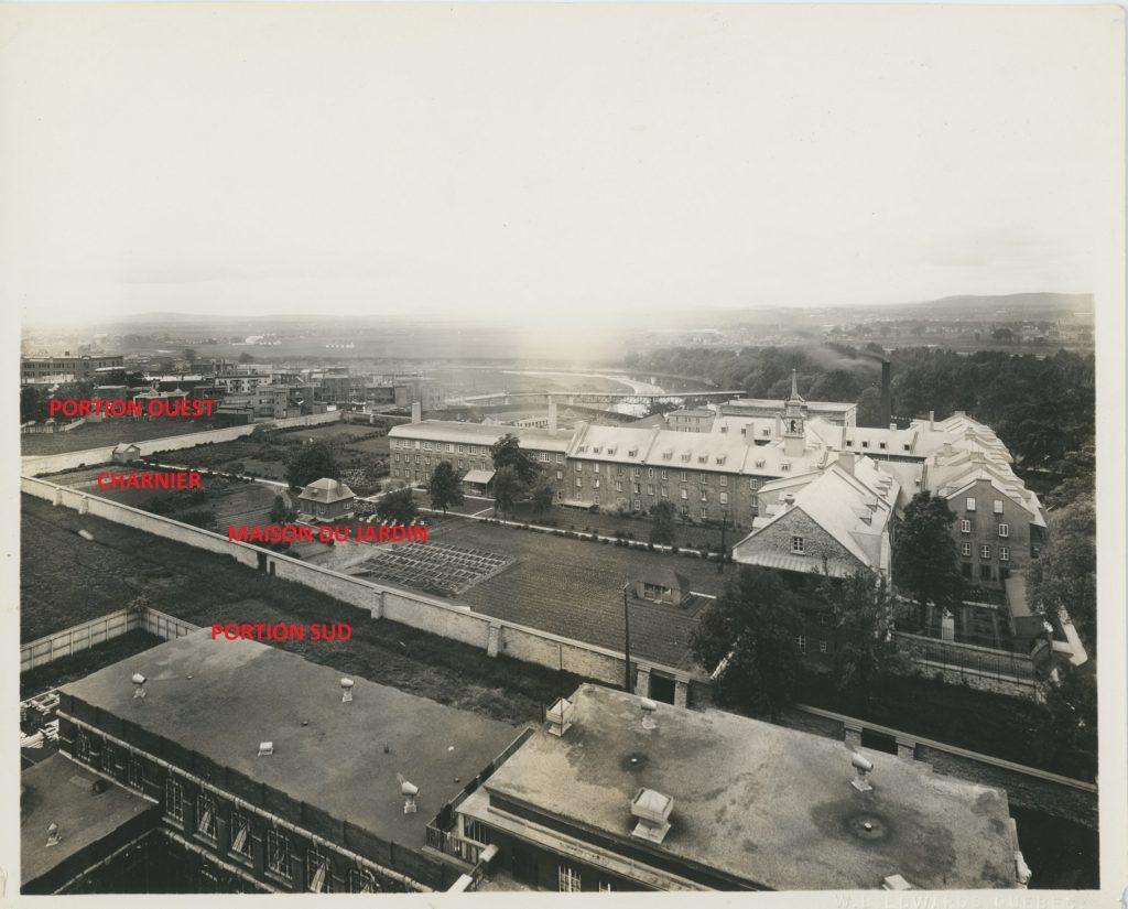 Vue en plongée du côté sud-ouest du monastère, 1937